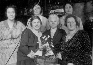 foto nichten oma blom 1930 (400x279)