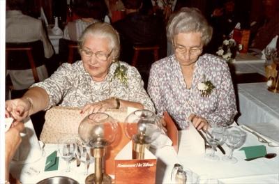 50 jrg huwelijksfeest Carel en Dirkje, 15 sept 1984 Bep en Geer (400x264)