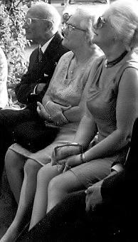 Arnold Truus en Bep op 40 jarig huwelijksfeest Albert en Geer 1973