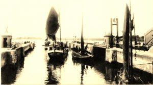 de Oranjesluizen rond 1890