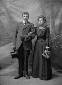 foto 1916_aug huwelijk in 1914 Anneke Bijl en Jacob Aaldert Fockert_01_15 (290x400)