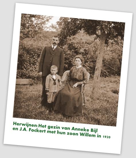 gezin anneke bijl en J A Fockert met zoon Willemjuli 1920 (363x500)